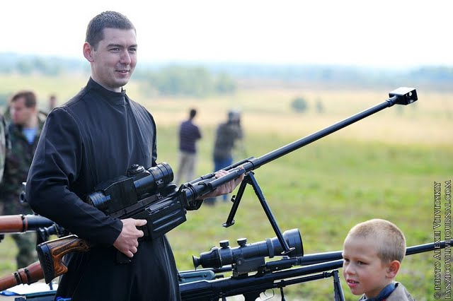 Resultado de imagem para Banco do Vaticano: Principal acionista da maior indústria de armamentos do mundo, a Pietro Beretta