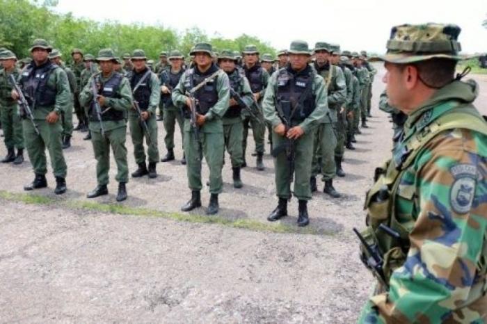 Ejército bolivariano de Venezuela destacado en la frontera con Colombia
